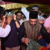 Emran Hashmi and Mohammad Azharuddin Pays their Obeisance at Nizamuddin Dargah