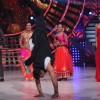 Akshay Kumar does a Cartwheel on 'So You Think You Can Dance-Ab India Ki Baari'