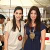 Mana Shetty and Twinkle Khanna at Araish''s art exhibition, in Mumbai