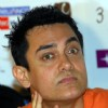 "Aamir Khan with his"" 3 Idiots"" team in Kolkata on 31st night"