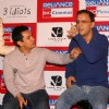 Aamir Khan, Vidhu Vinod Chopra  at press-meet to promote film ''''3-idiots'''',at Noida