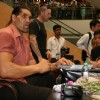 Khali meets fans at Inorbit Mall