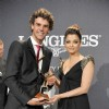 Gustavo Kuerten receiving the Longines Prize for Elegance from the actress Aishwarya Rai Bachchan