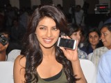 Priyanka Chopra unveils the new Nokia N8