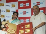 Asha Bhosle and Shujjat Khan at the launch of saregam's Naina Lagai Ke' exclusively on 92.7 BIG FM