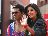 "Akshay Kumar and Katrina Kaif dancing in public at a Mall in New Delhi to promote their film ""Tees Maar Khan''"