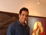 Tusshar Kapoor inaugurates Bendre art event to Where: Bandra