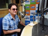 Vinay Pathak at Radiocity to promote 'Chalo Dilli'