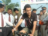 Imran Khan, Priya Dutt and Javed Jaffery at BSA Hercules India Cyclothon, Bandra
