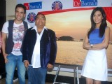 Tusshar Kapoor and Amrita Rao at Dr. Batra's exhibition