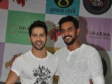 Varun visits Mithibai College for the Promotion of Humpty Sharma Ki Dulhania
