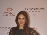 Huma Qureshi at Om Jewelers Store