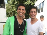 Shahrukh Khan & Akshay Kumar on the sets of Akshay''s forthcoming movie Blue at Filmcity in Mumbai
