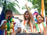 Urmila campaigns for Sachin Ahir in Worli