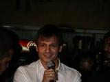 Vivek Oberoi Visits Leopold Cafe to Pay Tribute to 26/11 Victims at Mumbai