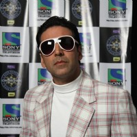 Akshay Kumar promote 'Action Replayy' on Kaun Banega Crorepati 4 at Film City | Action Replayy Event Photo Gallery