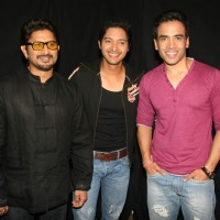 Golmaal 3 stars Arshad Warsi, Kunal Khemu and Tusshar Kapoor on the sets of KBC | Golmaal 3 Event Photo Gallery