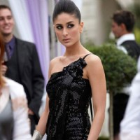 Beautiful Kareena in black gown