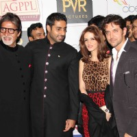 Abhishek, Amitabh, Hrithik and Suzanne Roshan at Premier Of Film Khelein Hum Jee Jaan Sey | Khelein Hum Jee Jaan Sey Event Photo Gallery