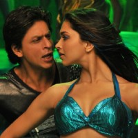 Deepika and Shahrukh Dancing | Billu Barber Photo Gallery
