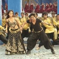Shahrukh and Kareena looking gorgeous in black | Billu Barber Photo Gallery