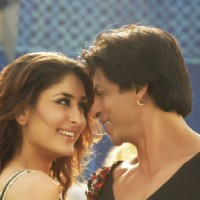 Lovable scene of Kareena and Shahrukh | Billu Barber Photo Gallery