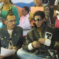 Shahrukh listening the script | Billu Barber Photo Gallery