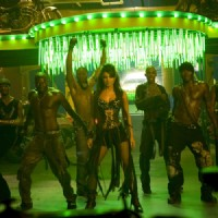Priyanka Chopra dancing with black man