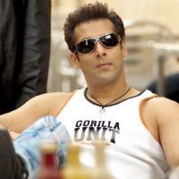 Hot and Handsome Salman Khan | Salaam-e-ishq Photo Gallery