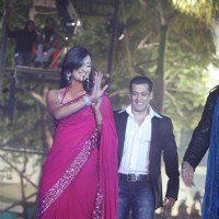 Shweta Tiwari and Salman Khan at Finale of Bigg Boss 4