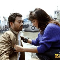 Irrfan Khan and Chitrangda Singh in the movie Yeh Saali Zindagi | Yeh Saali Zindagi Photo Gallery