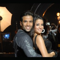 Tusshar and Raima close-up scene