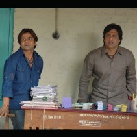 Rajpal Yadav and Govinda looking shocked