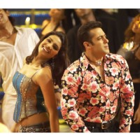 Salman and Priyanka standing together