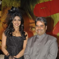 Priyanka Chopra and Vishal Bharadwaj at 7 Khoon Maaf press meet at Taj Land's End. . | 7 Khoon Maaf Event Photo Gallery