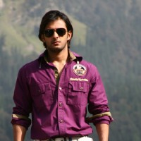 Vatsal Sheth looking hot and handsome