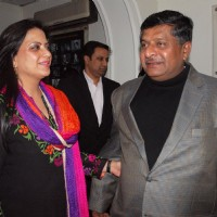 Ms Pratibha Advani and Ravi Shankar Prasad t a special screening of film 'Dil Toh Baccha Hai Ji' in Delhi on 3 Feb 2011. . | Dil Toh Baccha Hai Ji Event Photo Gallery