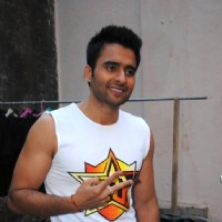 F.A.L.T.U movie actor Jackky Bhagnani on the sets of Jhalak Dikhla Jaa at Filmistan | F.A.L.T.U Event Photo Gallery