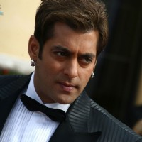Salman Khan looking smart | Yuvvraaj Photo Gallery
