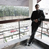 Abhay Deol looking dashing in black