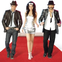 Akshay Khanna, Amrita Rao and Arshad Warsi walking on a ramp style in Shortkut