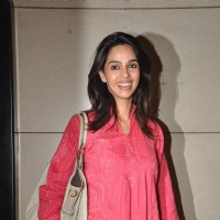 Mallika Sherawat leave for Cannes. .