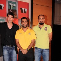Stephen Fleming, Mahendra Singh Dhoni and Yousuf Pathan at Harsha Bhogle's book launch at Trident