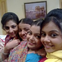 Sisters bonding in Sawaare Sabke Sapne – Preeto