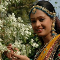 Mugdha as Sanyogita