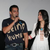 Salman and Kareena Kapoor at the first look of movie Bodyguard | Bodyguard Event Photo Gallery