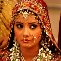 Nidhi Uttam as Nandini on her wedding