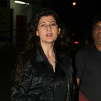 Shahid Kapoor, Ekta Kapoor and Sangeeta Bijlani snapped after watching 'Aarakshan' | Aarakshan Event Photo Gallery
