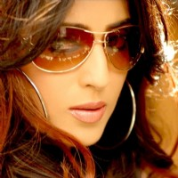 Mahie Gill looking gorgeous