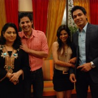 Renuka, Mohit, Sumona, Mahesh as a cast in Bade Acche Laggte Hai